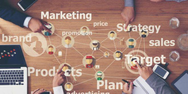 ۳  راه که هوش مصنوعی می تواند به رفع شکاف بین فروش و بازاریابی کمک کند