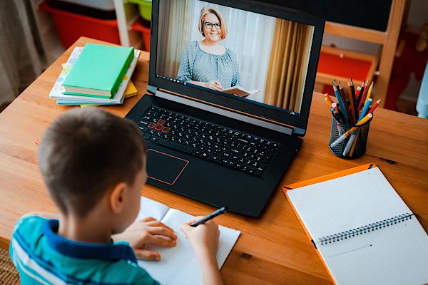 آموزش مجازی به کودکان